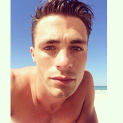 colton-haynes-shirtless2