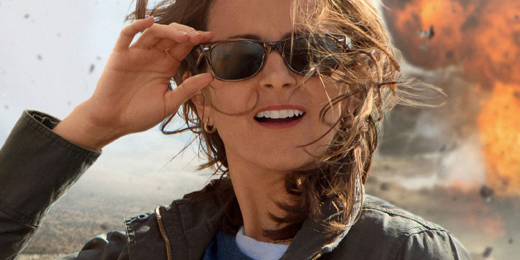 Whiskey Tango Foxtrot Red Band Trailer – Tina Fey heads for Afghanistan