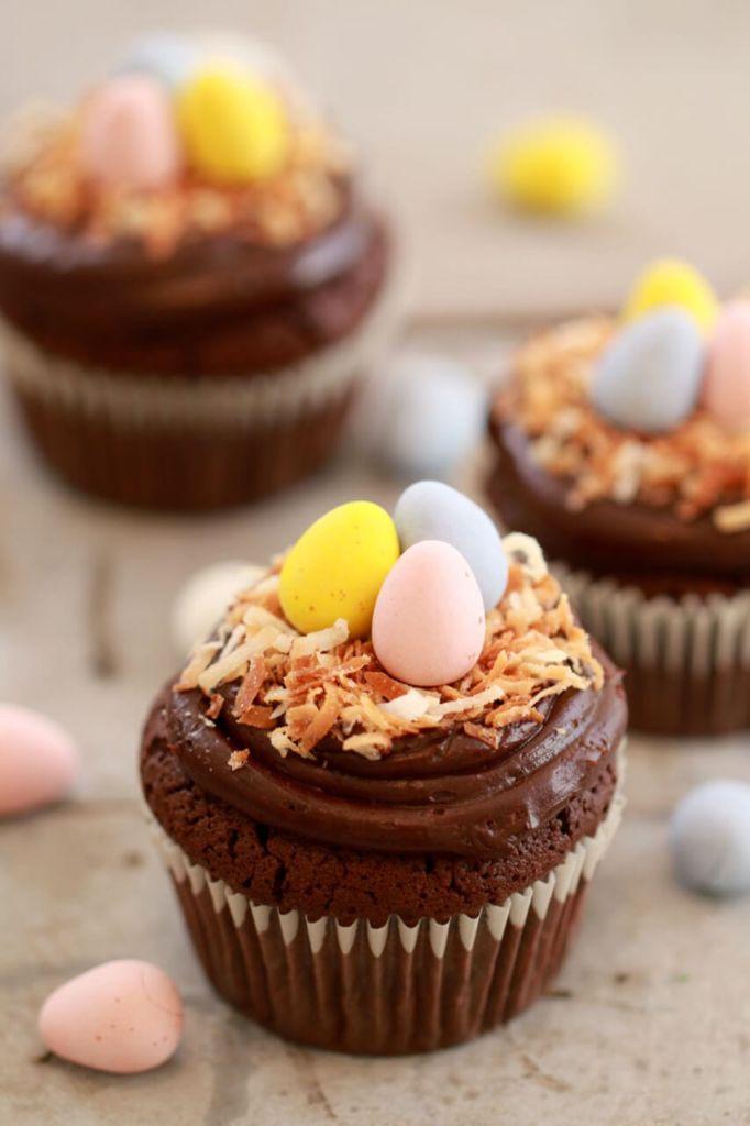 Small Batch Cupcakes For Spring (Carrot Cake, Vanilla & Flourless