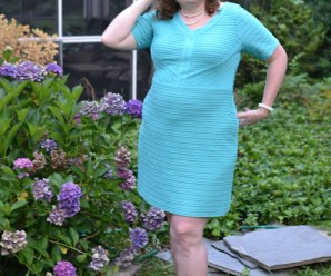 Plus size dress fashion for womens over 40 Plus size fashion blogger Sherry Aikens womens plus size fashion