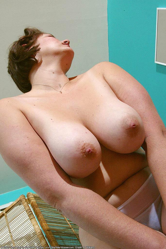 sexy mature women nude