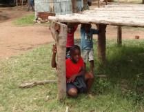 Kleine Zacheüs onder de tafel