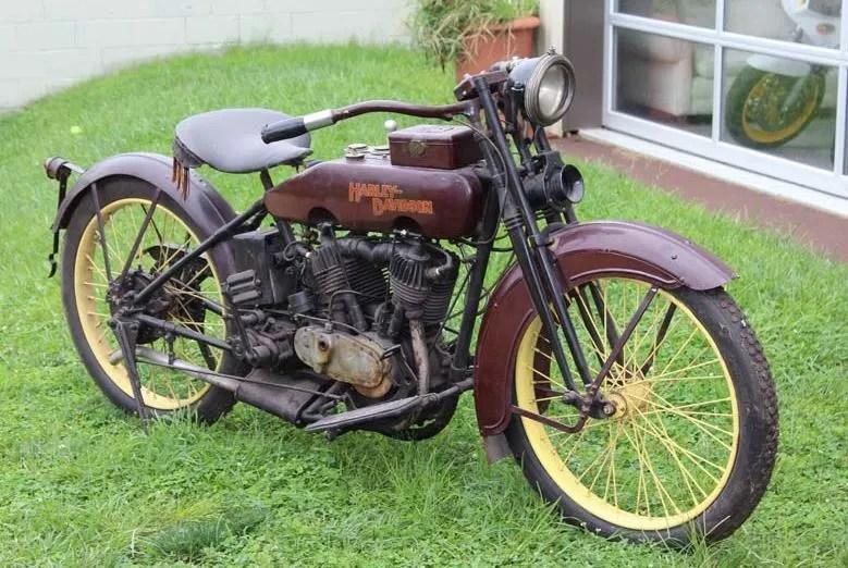 1921 Harley Davidson Model J Solo