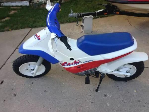 Honda EZ 90 Cub - Left Side