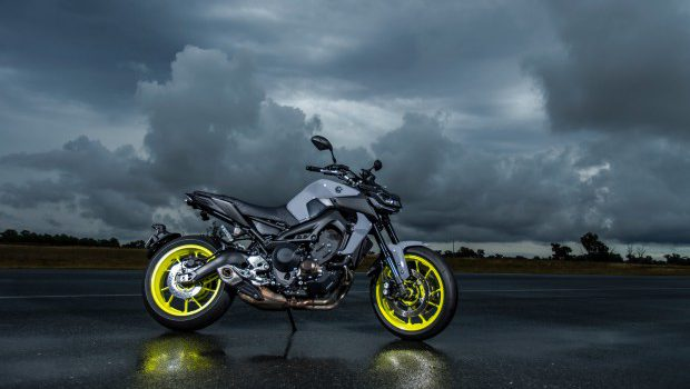 2017 YAMAHA MT-09 REVIEW \u2013 LOADED NAKED \u2013 BIKE ME!