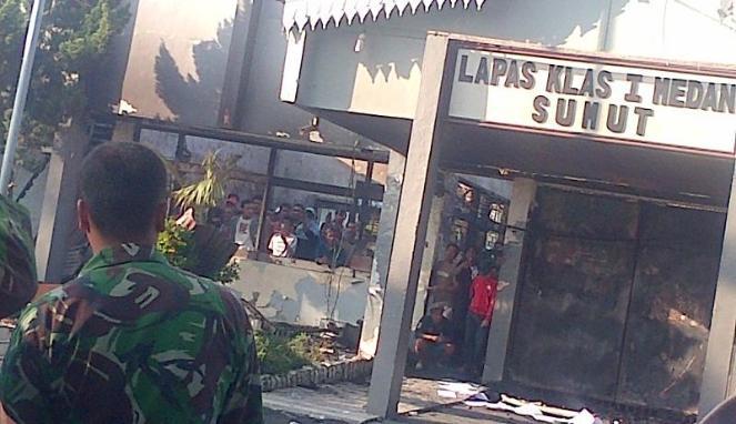 Penerimaan Cpns Lapas 2013 Pendaftaran Lapas 2013 Cpns Bumn Bank Info Lowongan Gambar Foto Kerusuhan Dan Kebakaran Lp Tanjung Gusta Medan