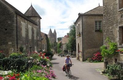 BioEcoGeo_Borgogna-in-bici-Chateneauneuf
