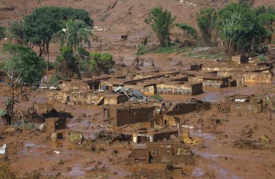 Brasile, frana devasta intero villaggio
