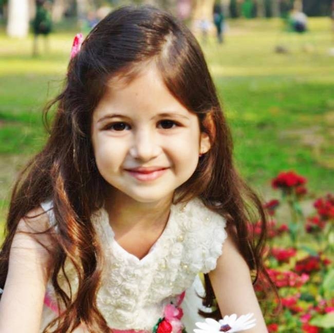 Wallpaper Of Little Girl In Bajrangi Bhaijaan Harshali Malhotra Biography Age Weight Height Biographia