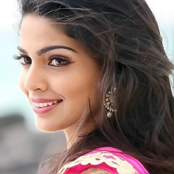Girl Hd Wallpaper 2017 Pooja Sawant Wiki Biography Age Weight Height Profile Info