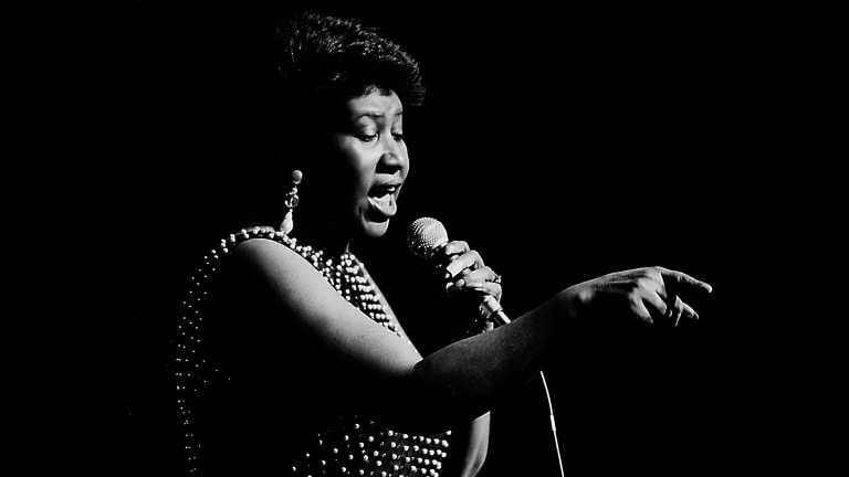 Aretha Franklin Dies at Age 76 - Biography