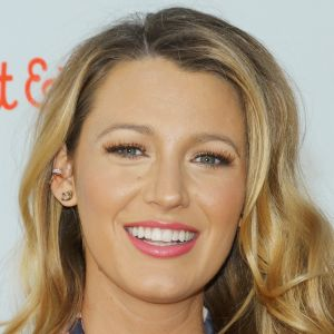 Girl Scout Wallpaper Blake Lively Film Actor Actor Television Actor Biography