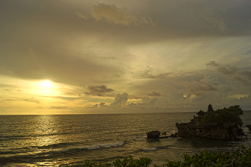 Sunsat at Tanah lot Indonesia, warm and peace