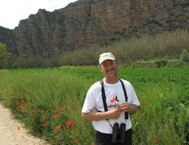 BirdingInSpain guide with new t-shirt