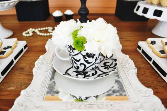 black-damask-70th-birthday-party-floral-arrangement