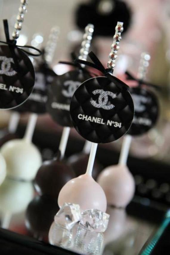 coco-chanel-inspired-birthday-party-cupcake-toppers