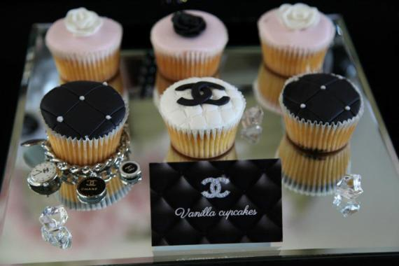 coco-chanel-inspired-birthday-party-vanilla-cupcakes