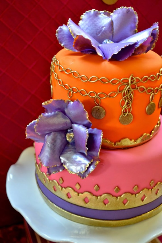 gold-moroccan-teen-birthday-party-cake