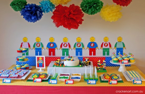 Crackers LEGO Birthday Party dessert table