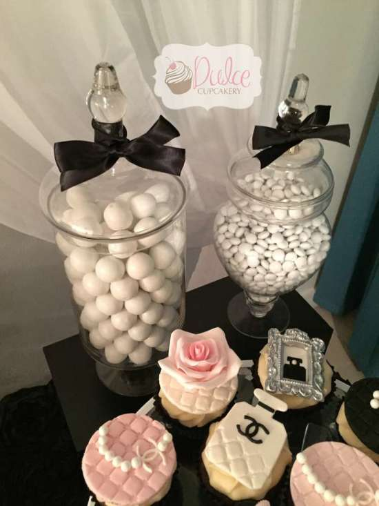 COCO Chanel inspired cupcakes