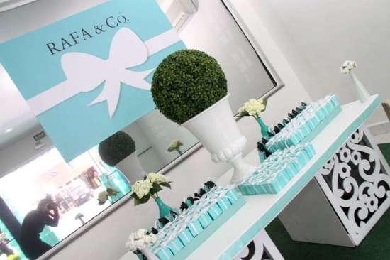 breakfast-at-tiffanys-birthday-party backdrops and tiffany blue boxes white ribbon