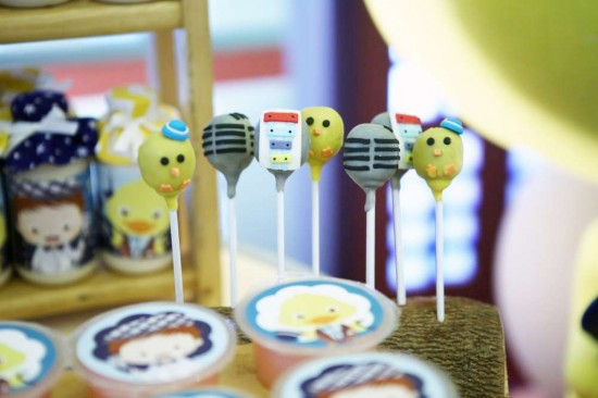Singing-And-Dancing-With-Ducks-Birthday-Cakepops