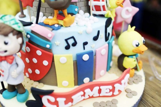 Singing-And-Dancing-With-Ducks-Birthday-Colorful-Cake