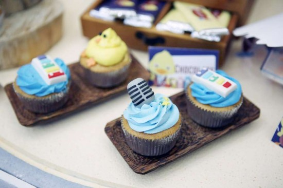 Singing-And-Dancing-With-Ducks-Birthday-Microphone