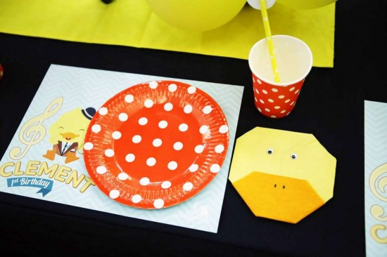 Singing-And-Dancing-With-Ducks-Birthday-Place-Setting