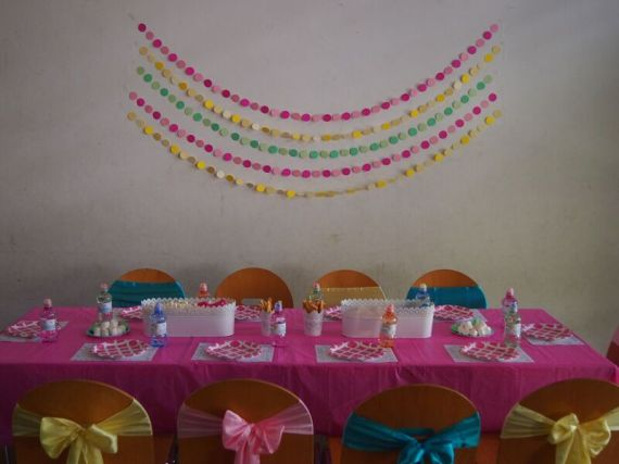 Rainbow-Unicorn-Birthday-Party-Guest-Tables