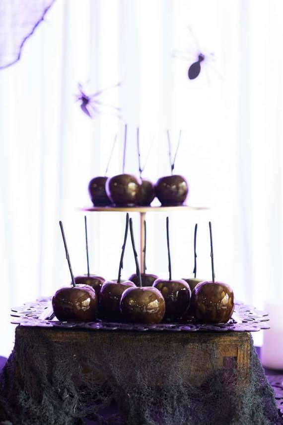 Spooky-Witches-Den-Party-Candy-Coated-Apples
