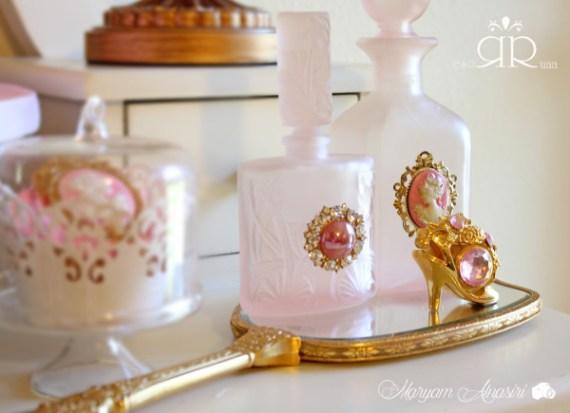 Marie-Antoinette-Vintage-Birthday-Party-Golden-Heel