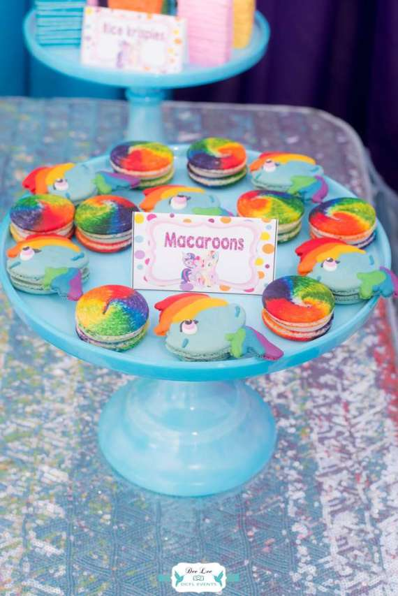 Rainbow-Dash-Adventure-Birthday-Macarons