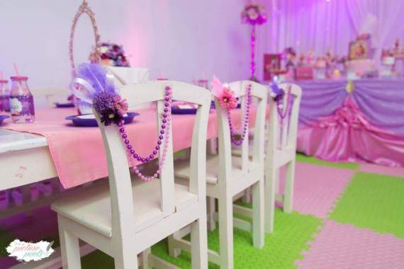 Barbie-Fashionista-Birthday-Bash-Guest-Seating