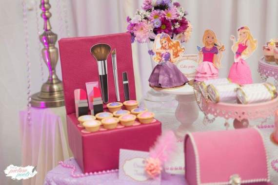 Barbie-Fashionista-Birthday-Bash-Jewelry-Box-Snacks