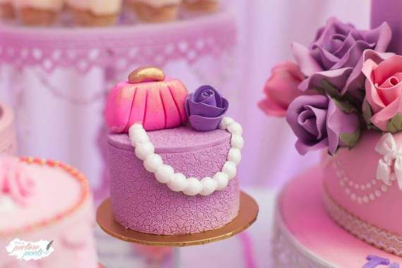 Barbie-Fashionista-Birthday-Bash-Mini-Cake