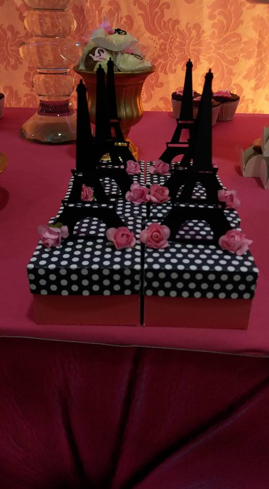 Closet-In-Paris-Birthday-Party-Eiffel-Towers