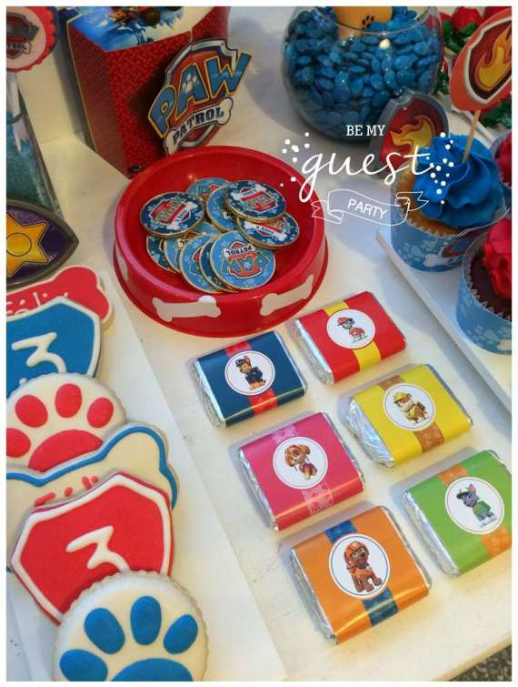 Colorful-Paw-Patrol-Birthday-Party-Wrapped-Chocolates