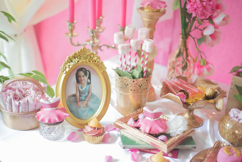 1 blog archives birthday party ideas shops for Sleeping beauty wedding table