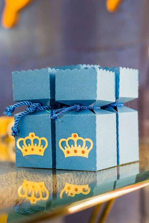 Blue-And-Yellow-Royal-Prince-Birthday-Boxes