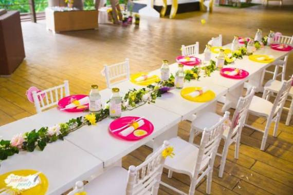 Whimsical-You-Are-My-Sunshine-Birthday-Guest-Tables