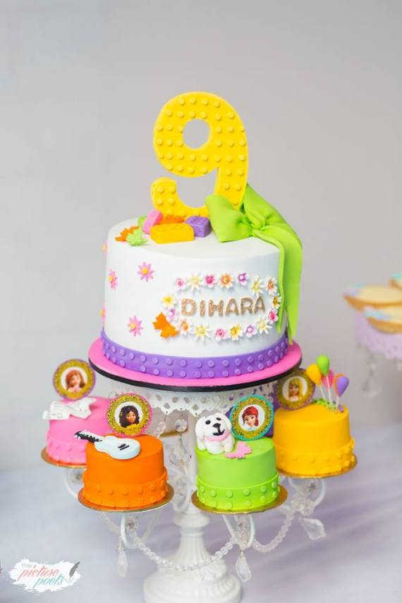 Modern-Lego-Friends-Birthday-Cakes