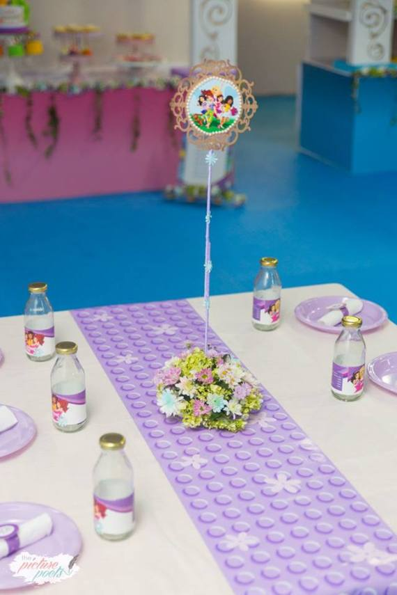 Modern-Lego-Friends-Birthday-Centerpieces