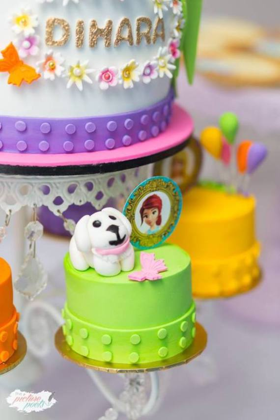 Modern-Lego-Friends-Birthday-Mini-Cake