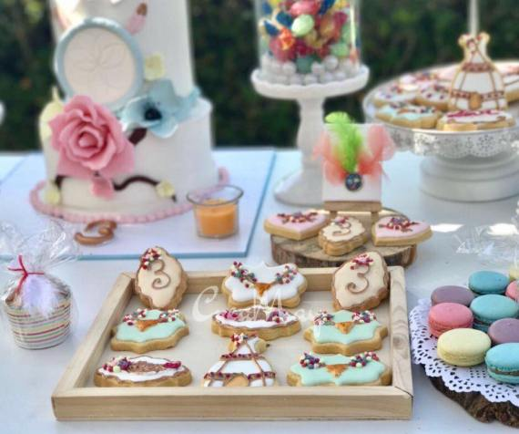 Outdoor-Bohemian-Chic-Party-Treats