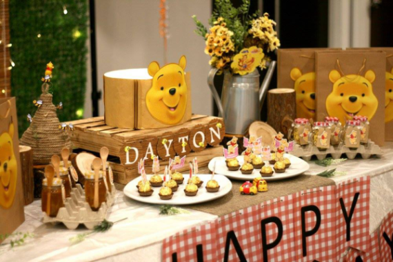 Winnie-The-Pooh-Bear-Birthday-Party-Wrapped-Chocolates