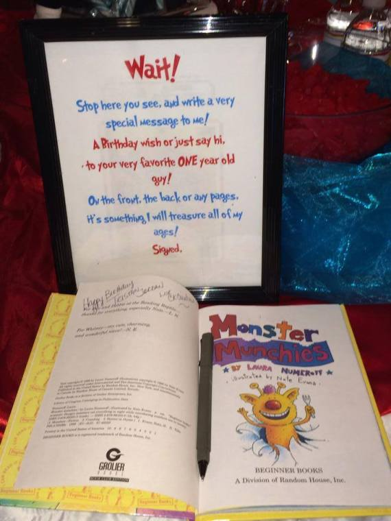 Dr.-Seuss-Birthday-Party-Guest-Signature-Book
