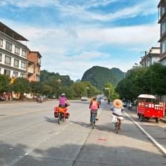 Drei Radfahrer.