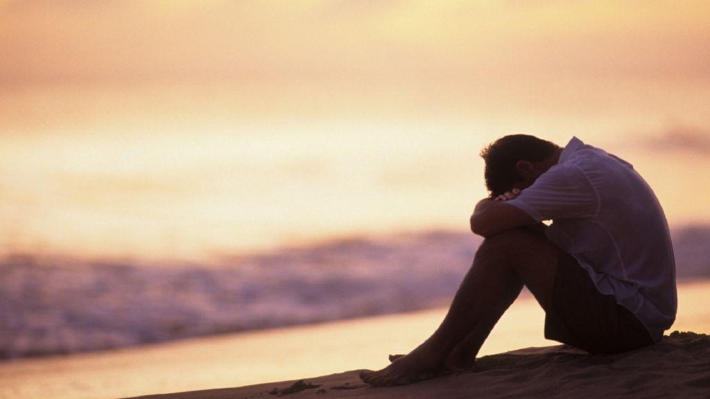 muškarac, čovjek, samoća, tuga, pismo svećenika na samrti