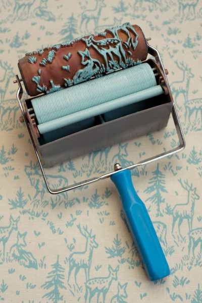 Wallpaper Paint: The Paint Roller That Creates A Wallpaper Look